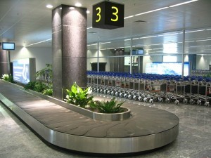 Luggage belt 3 at Bengaluru International Airport, par Kprateek88 (Wikimedia Commons)